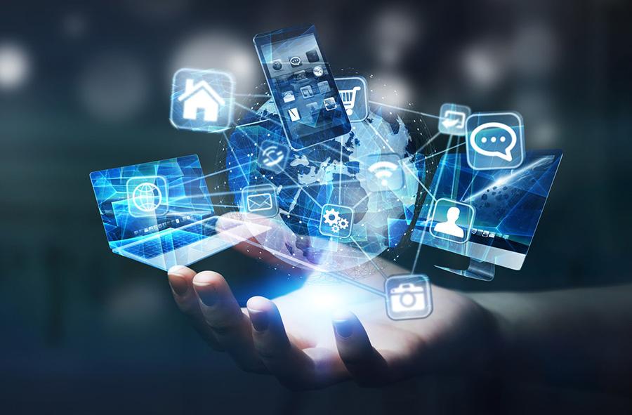 imagem olográfica de aparelhos eletrônicos em cima de uma mão